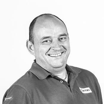 Christian Peukert von mentec unterstützt Sie bei Ihrem Vorhaben in Sachen Kunststoffgehäuse und Folientastatur
