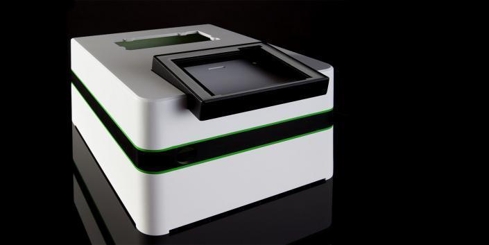 Kunststoffgehäuse lackiert mit abnehmbarem Display von mentec®