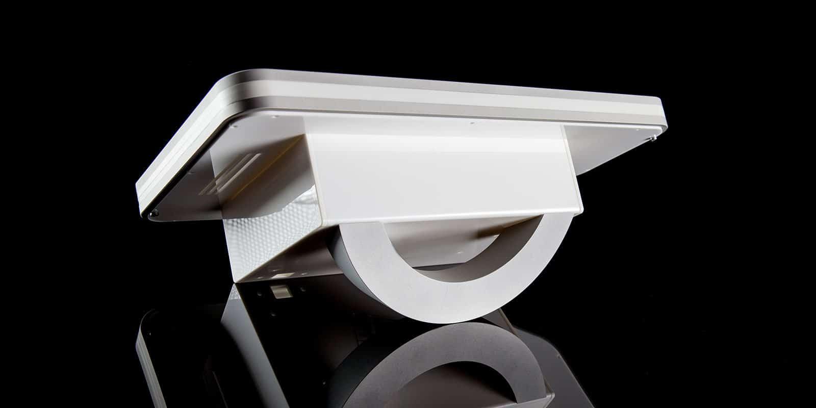 Kunststoffgehäuse Projekt: Pultgehäuse mit Aluminium Standfuß
