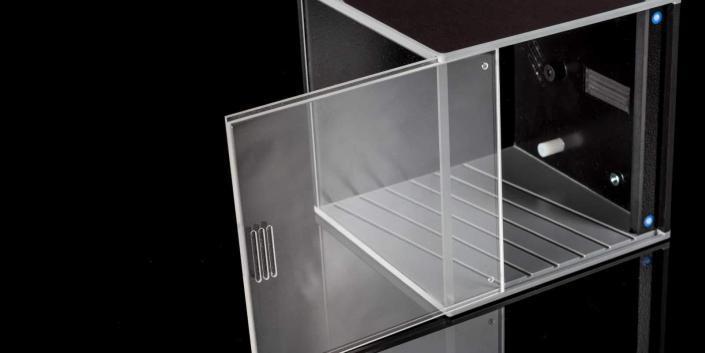 Cube-Gehäuse mit Acryl und Designoptik Edelstahl gebürstet offen von mentec®