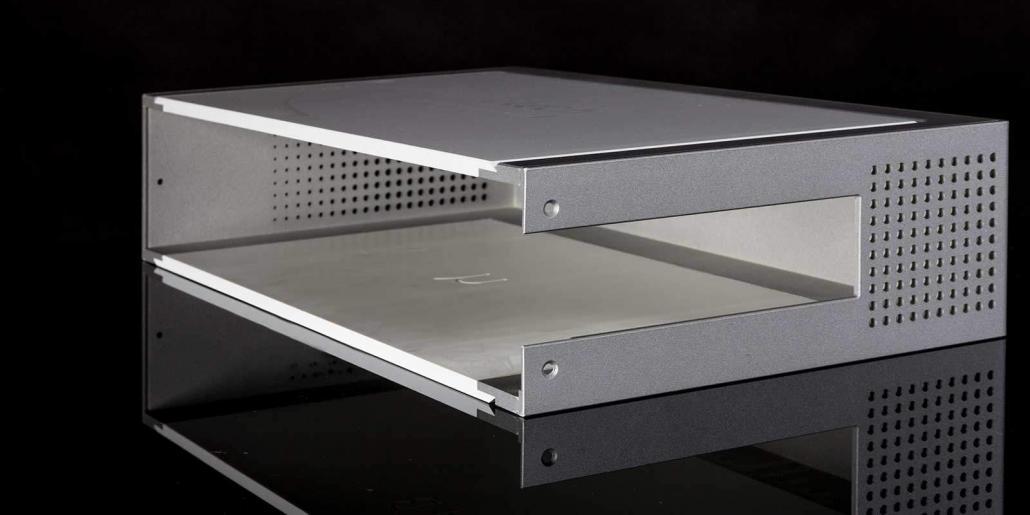 Zweifarbiges Kunststoffgehäuse mit Siebdruck von mentec®
