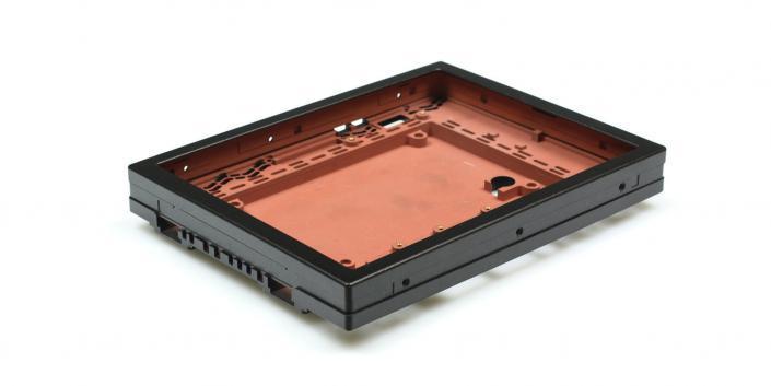 Monitorgehäuse mit EMV-Beschichtung Frästeil Kunststoff von mentec®